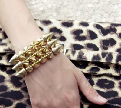 acessorio-feminino-com-spikes-dourado