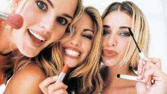 Mulheres-se-maquiando