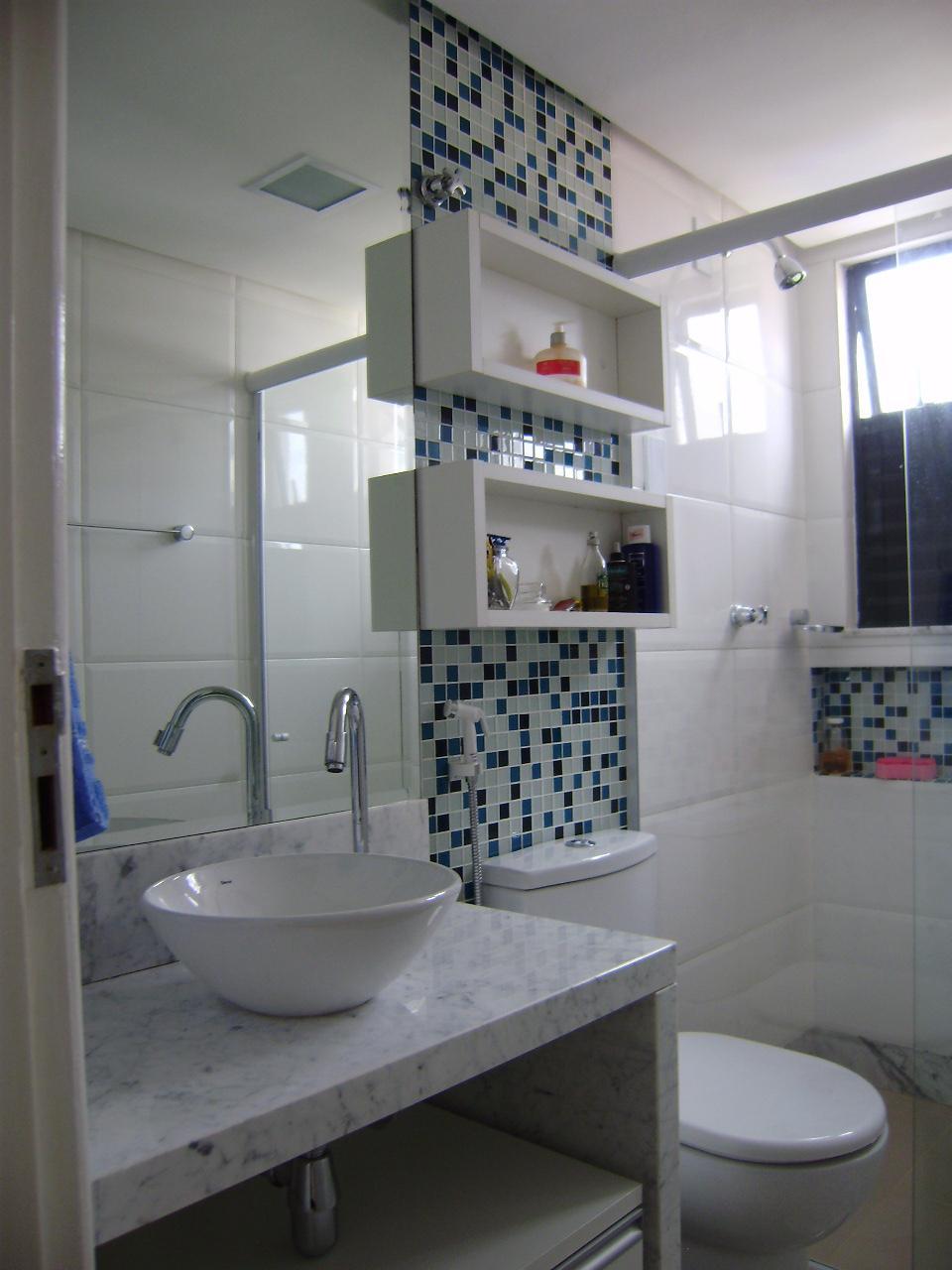 Dicas de Decoração para Banheiros Pequen -> Banheiro Decorado Com Pastilhas Marrom