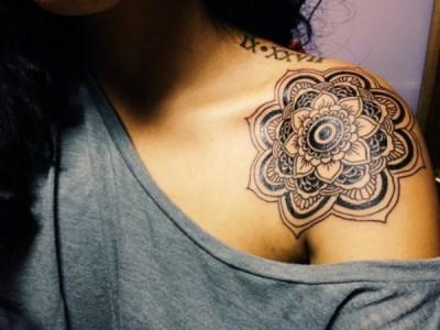Tatuagem-ombro-flor