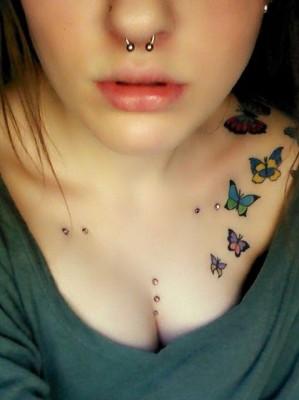 tatuagem borboleta ombro