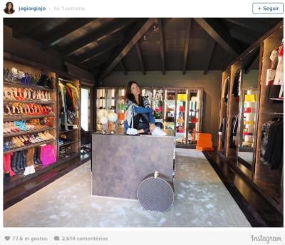 veja-o-armario-fascinante-onde-o-mais-famoso-bilionario-do-instagram-surpreendeu-sua-namorada