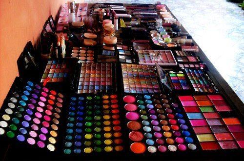Chega de gastar dinheiro!Aprenda a fazer sua própria maquiagem em casa