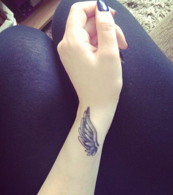 wing-tattoo-on-wrist22